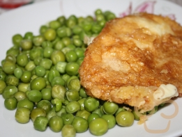 Fried cheese with peas
