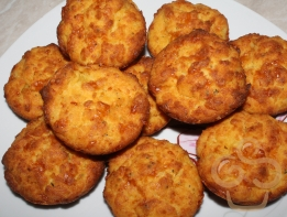 Muffin with potato and cheese